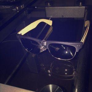 Other - Unisex sun glasses